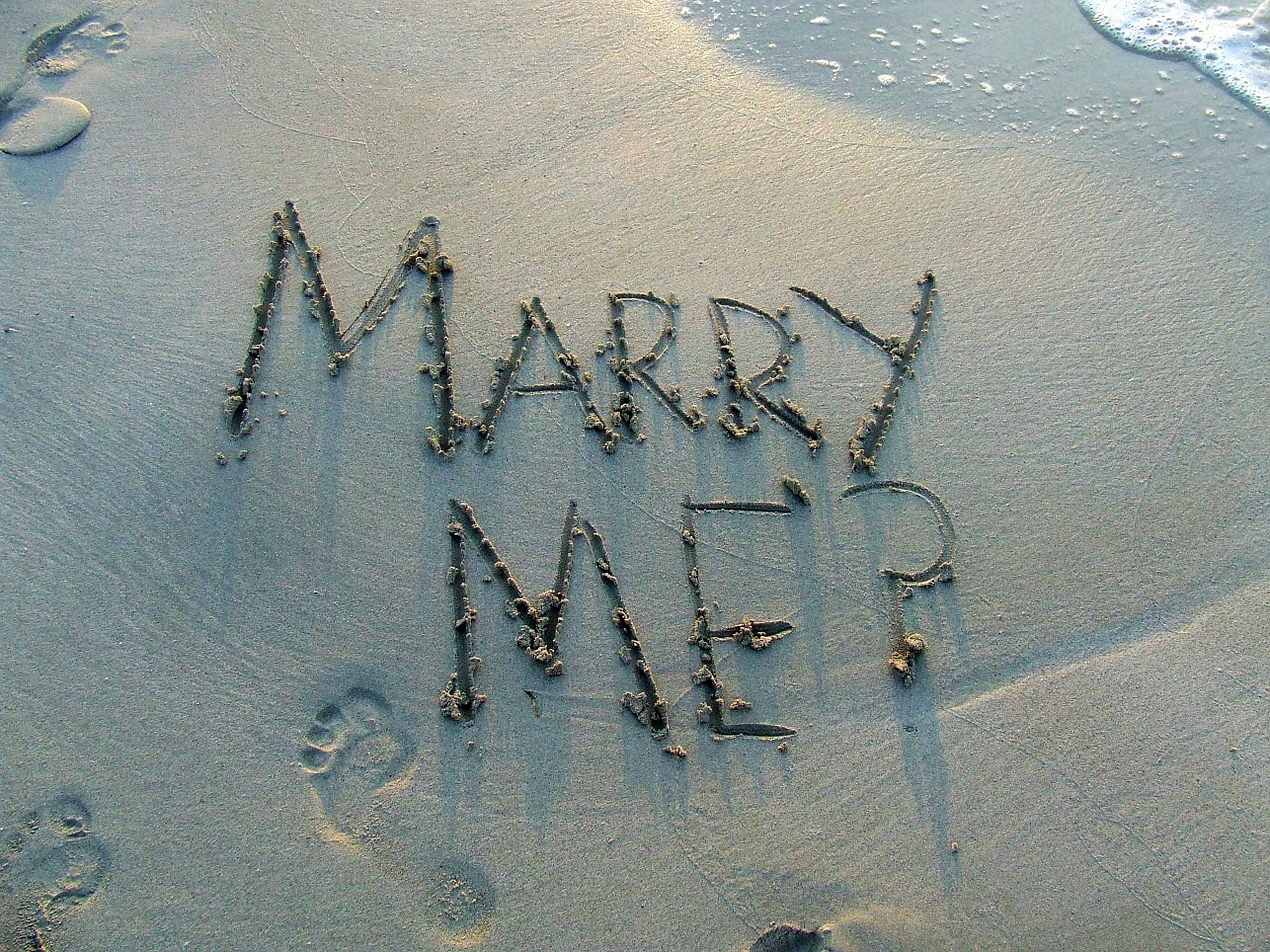 Demande en mariage sur le sable