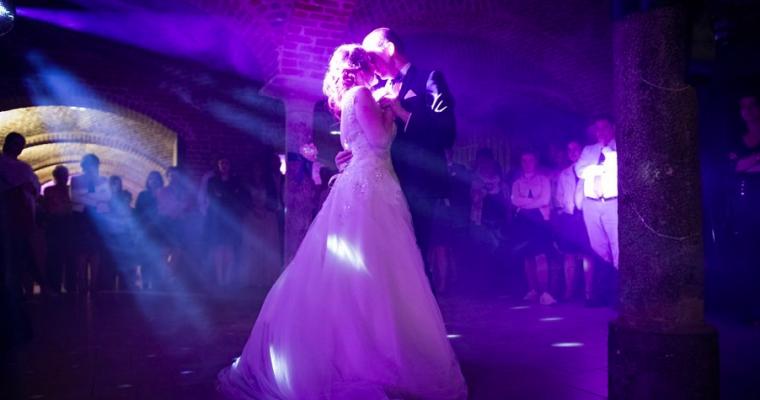 Mon mariage printanier-chic tout en émotions : nos ouvertures de bal