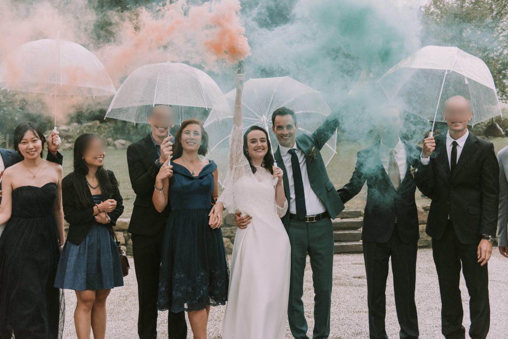 Nos photos de groupe sous la pluie... et avec des fumigènes ! // Photo : Sara Cuadrado