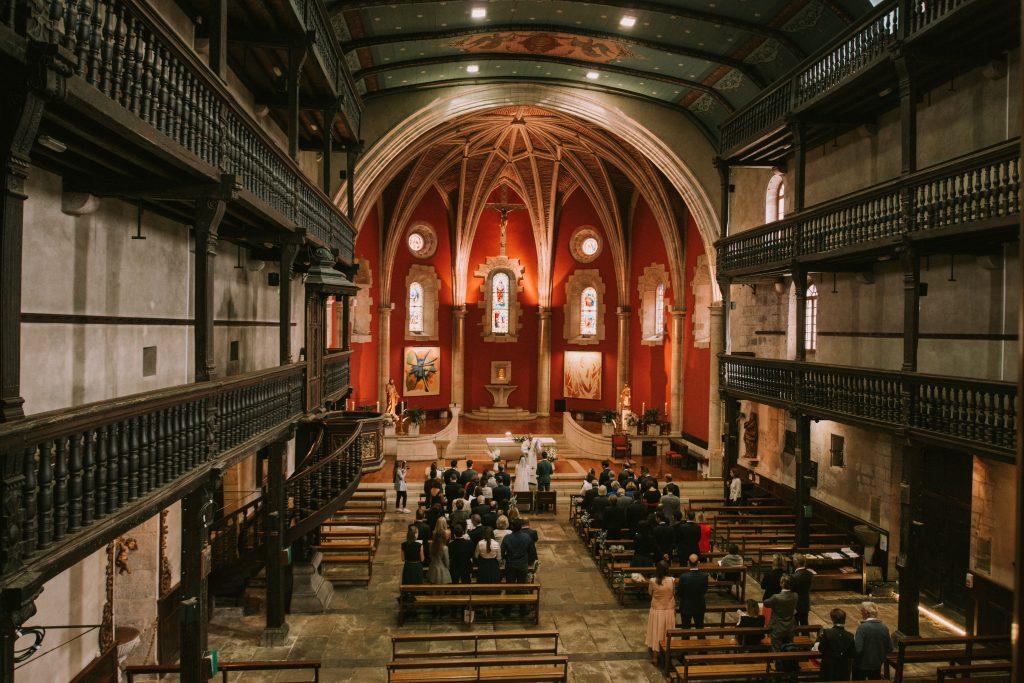 Pourquoi nous avons choisi une cérémonie à l'Eglise pour notre mariage // Photo : Sara Cuadrado