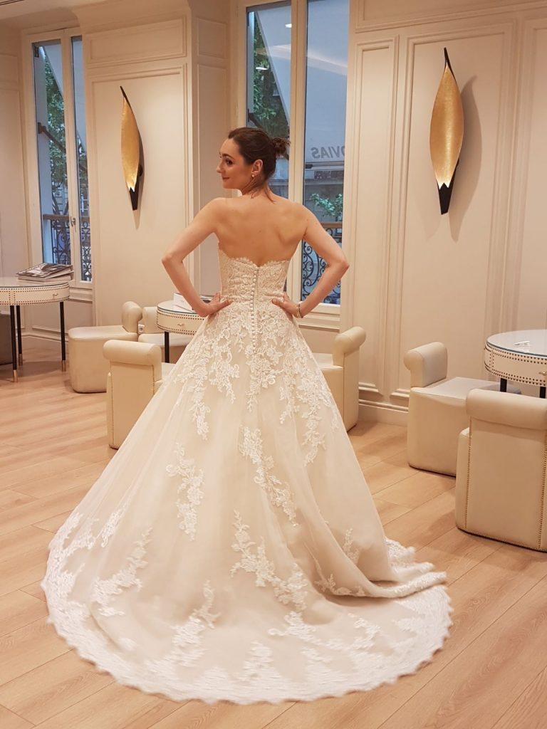 Craquer sur une robe de mariée au-dessus du budget fixé !