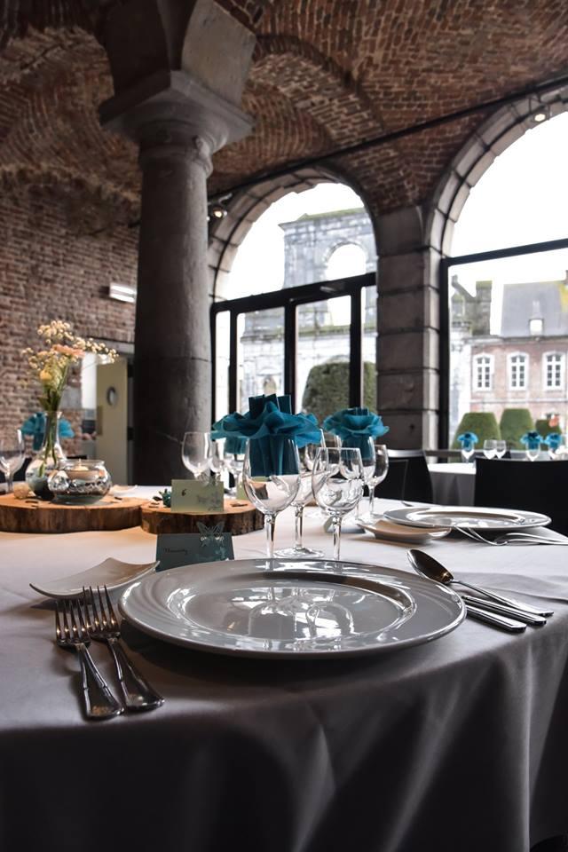 La déco de notre lieu de mariage : la Carrosserie, dans le Hainaut en Belgique // Photo : Vincent Andreoli