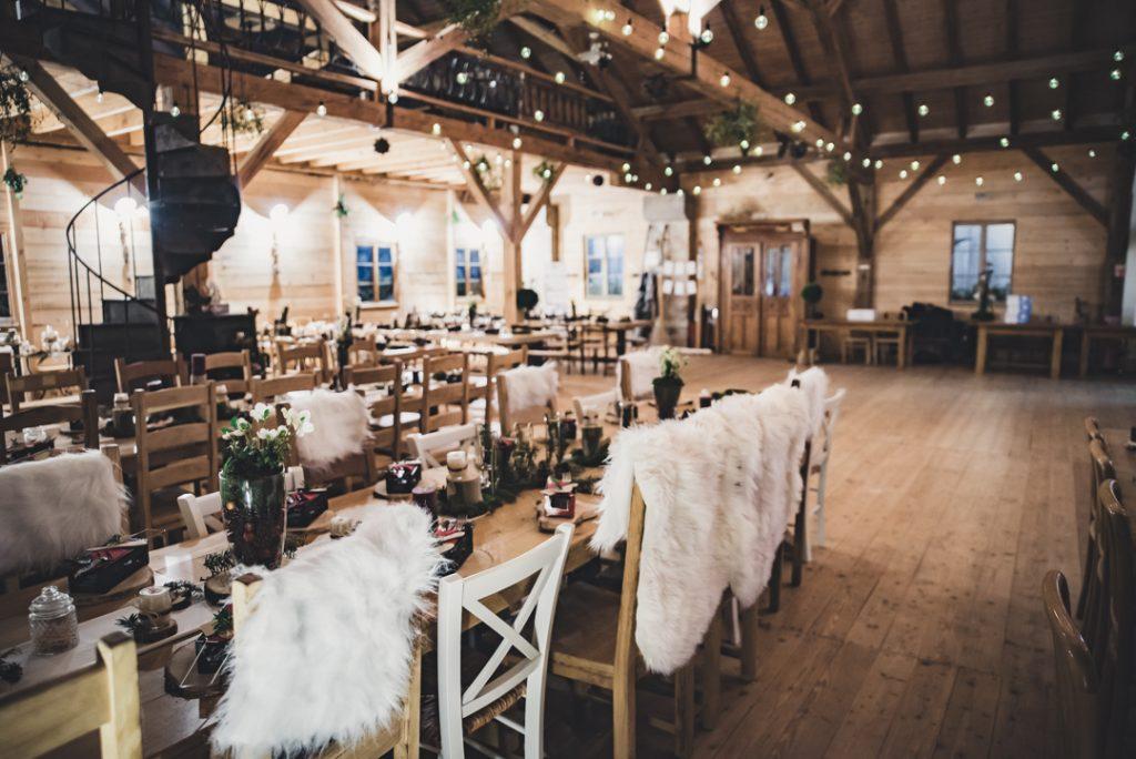 Décoration et ambiance chalet de montagne pour mon mariage // Photo : Pauline Kupper Photographie
