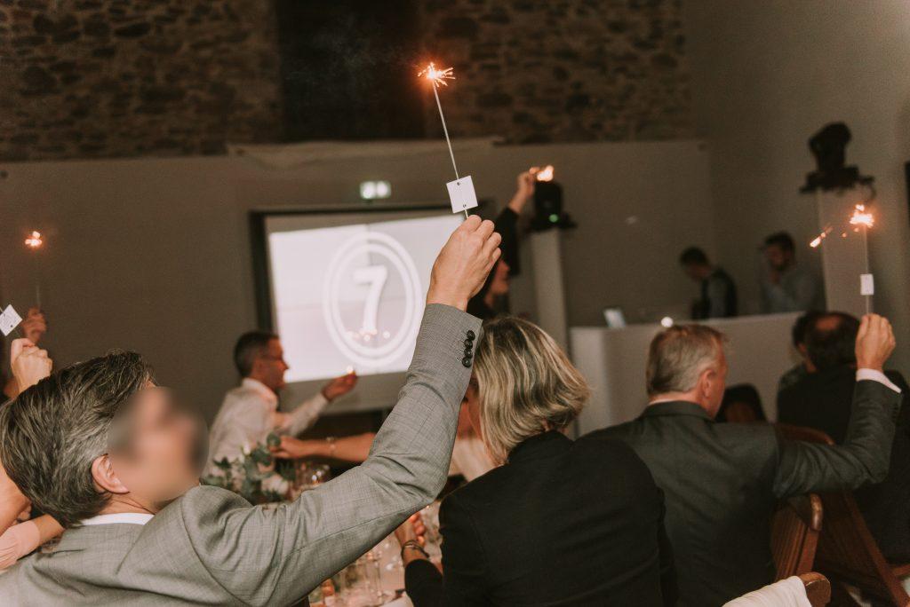 Vidéo et scintillants pour l'entrée des mariés // Photo : Sara Cuadrado