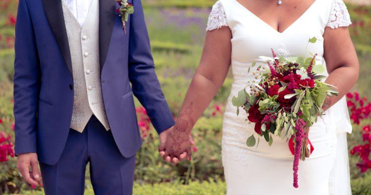 Mon lumineux mariage d'été entre passion et émotion : photos de groupe et de couple