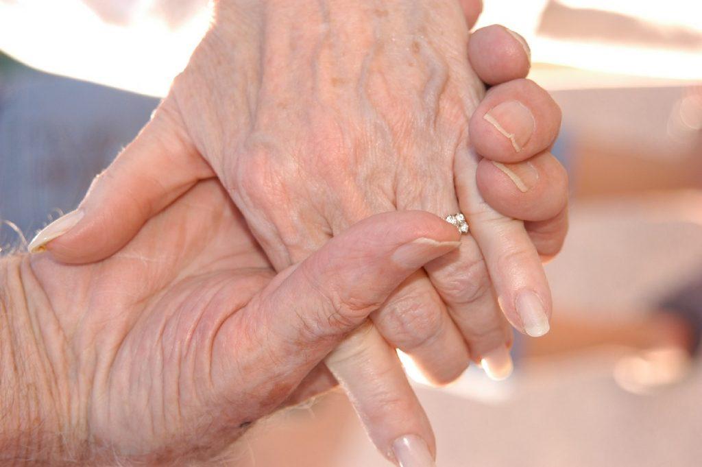 Faire face au décès de ses grands-parents le jour du mariage