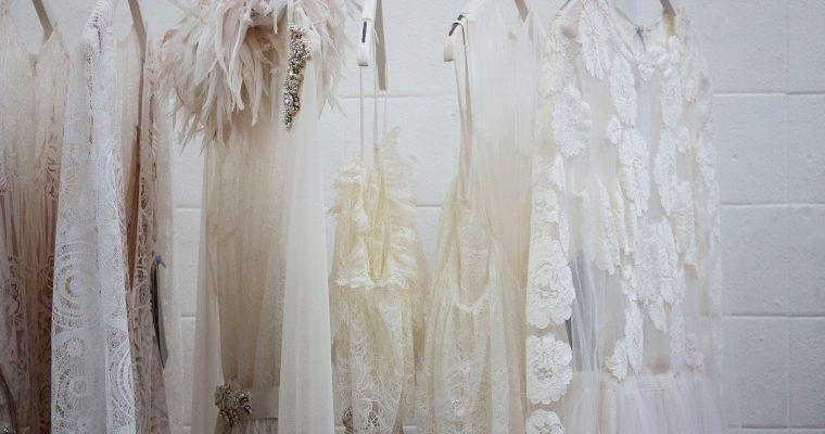 Les tenues de mariage civil 2019 repérées par les chroniqueuses