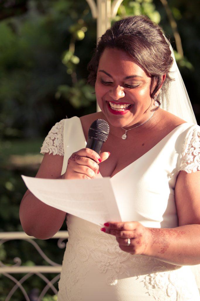Nos vœux et échanges d'alliance lors de la cérémonie laïque // Photo : Delphine Persyn - Nature Films Photography