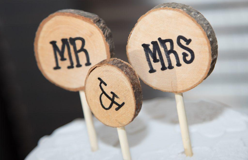 Le choix du nom de famille après le mariage