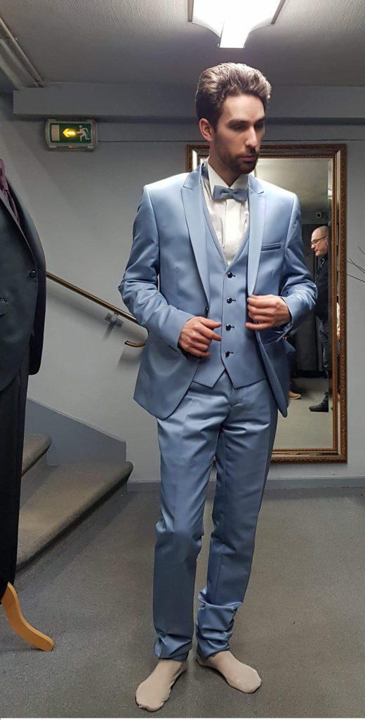La recherche du costume du marié