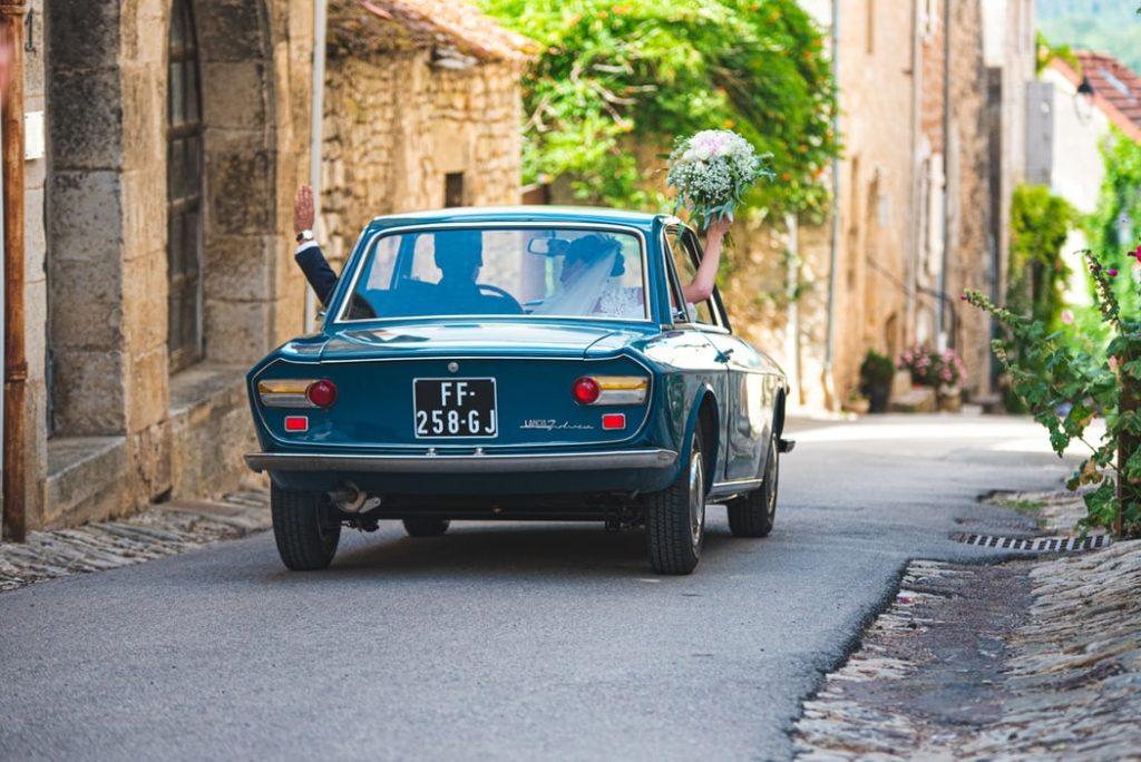 Les traditions françaises insolites autour du mariage