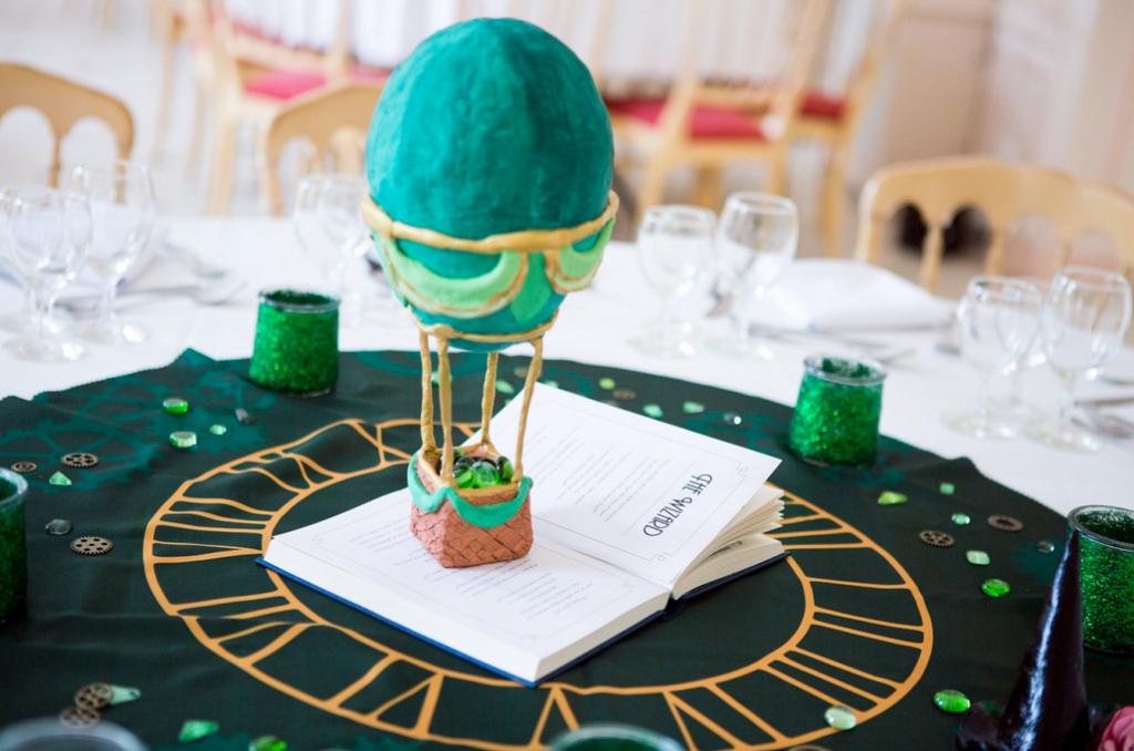 Notre décoration de mariage sur le thème du Magicien d'Oz // Photo : Julie Lilly Marie
