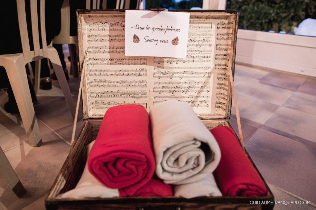 Quels accessoires pour une mariée d'hiver ? // Photo : Guillaume Tranquard