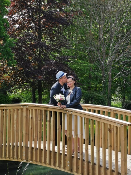 Mon mariage civil en bleu et blanc : les photos de couple