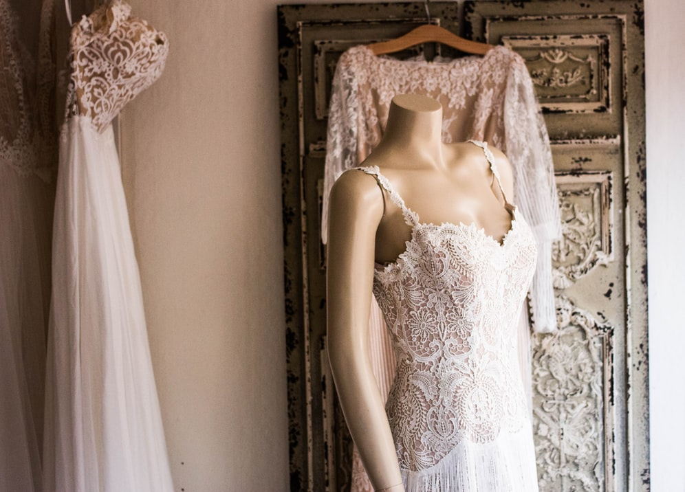 Où trouver une robe de mariée en location (région Rhône-Alpes) ?