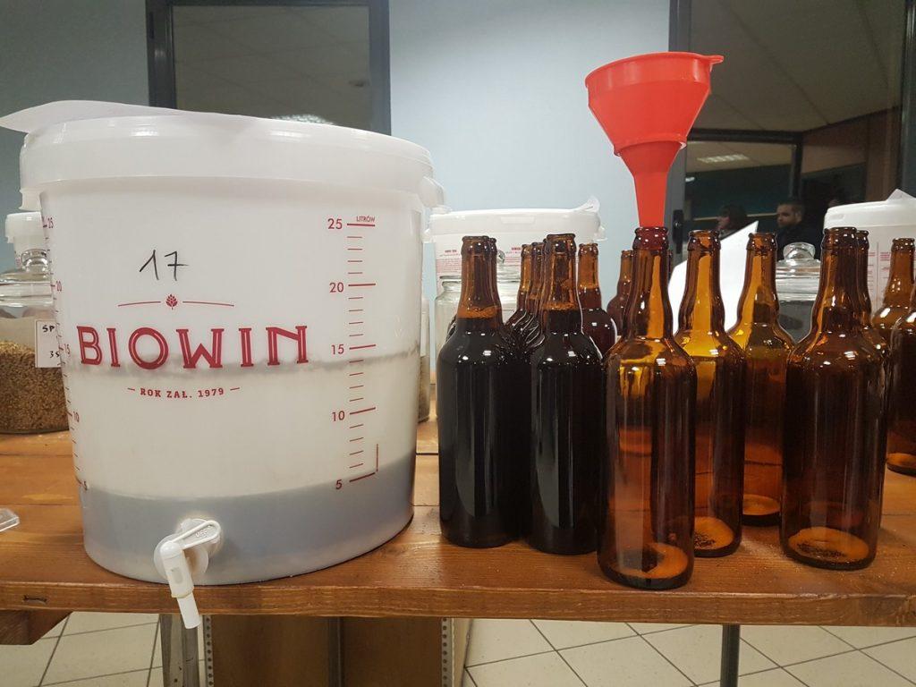 Atelier de brassage de bière artisanale pour l'enterrement de vie de célibataires