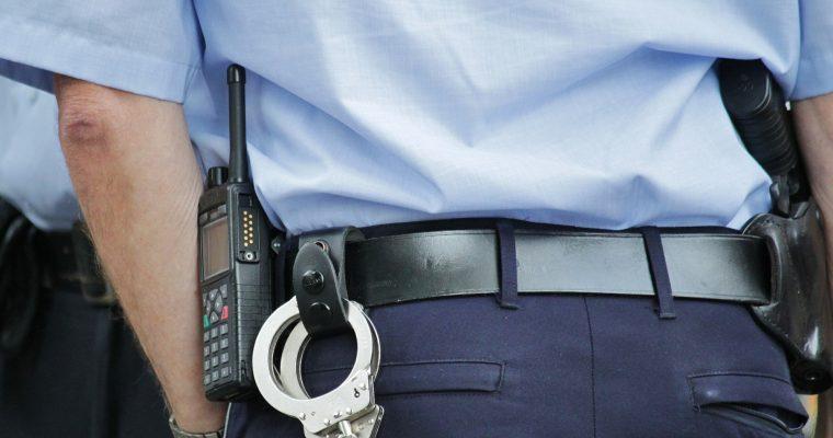 La rencontre : transpiration, policiers et examen raté