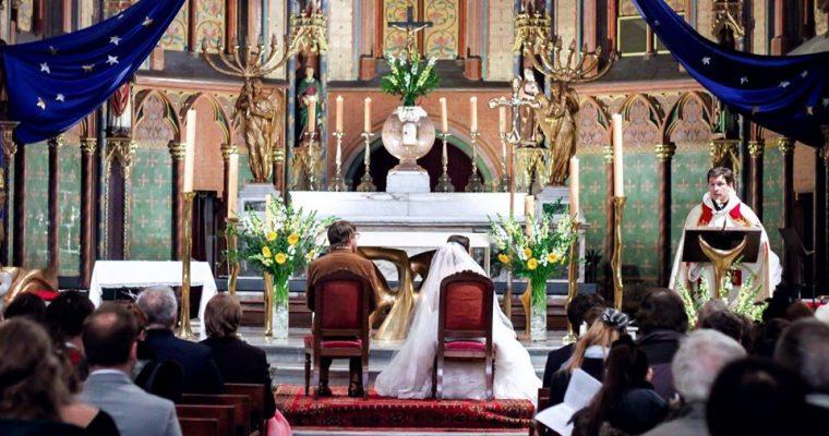 Mon mariage participatif et coloré : la cérémonie religieuse