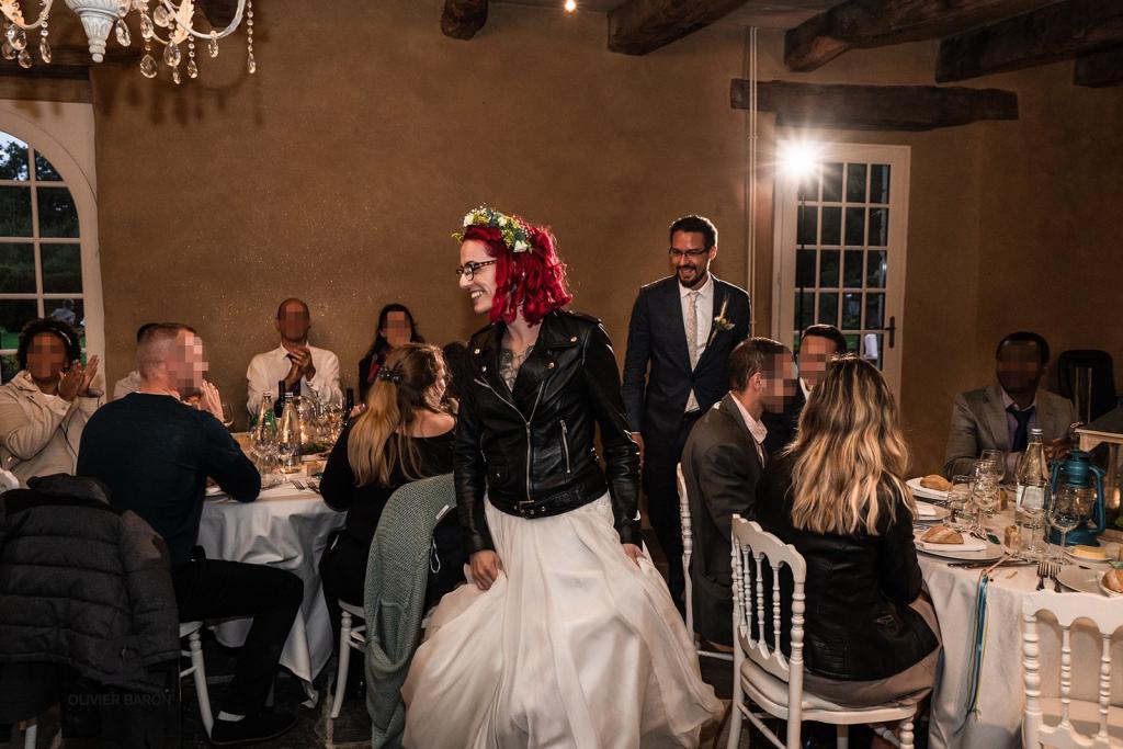 Mon mariage brock, rétro, rock : l'entrée dans la salle