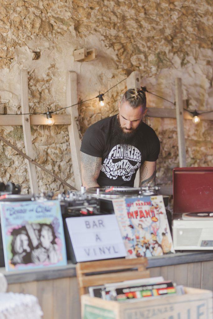 Un DJ pour mon mariage rétro ?