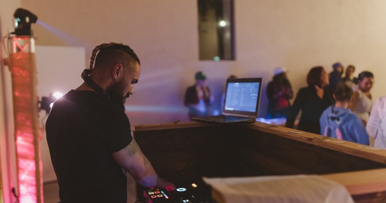 Mon mariage rétro mais pas trop : Hey Mister DJ !
