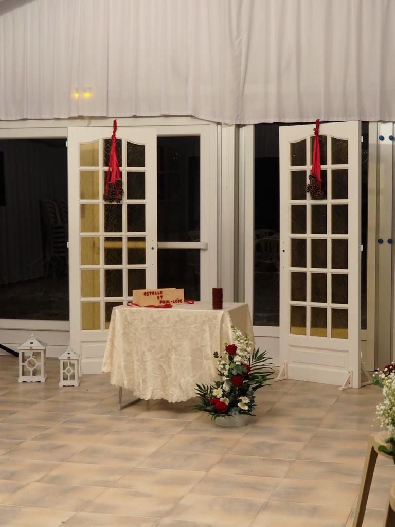 Arche de cérémonie en porte vitrée