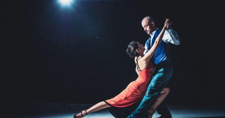 Comment préparer une chorée «Danse avec Monsieur Chaton» pour l'ouverture de bal