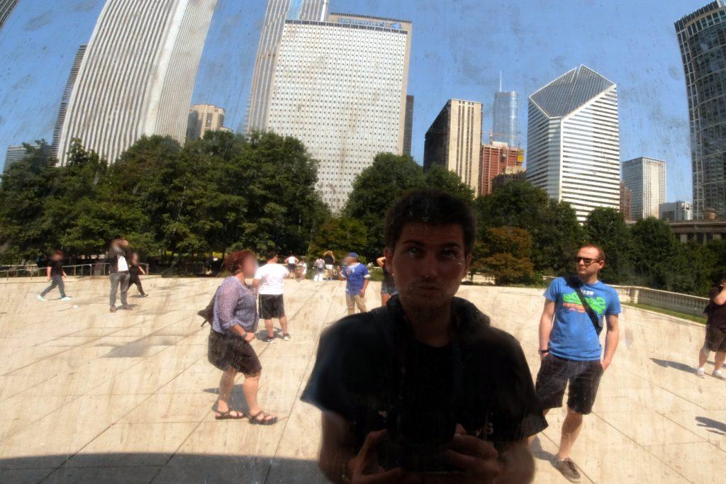 Messieurs Pragmatique et Suri, en reflet dans le Bean de Chicago