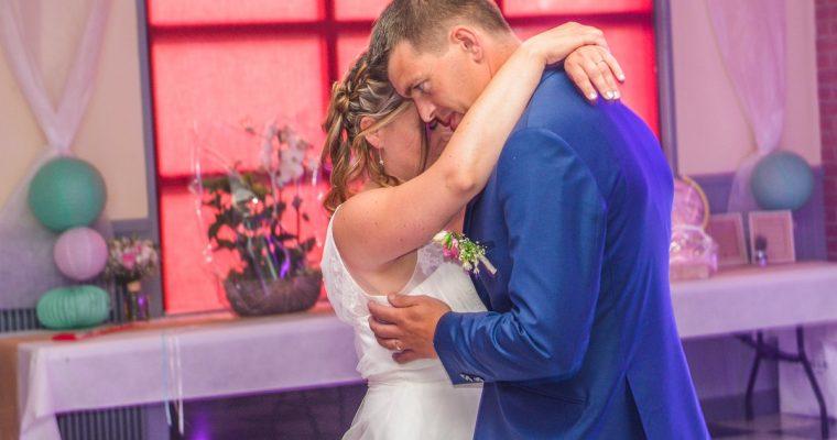 Mon mariage simple et convivial en couleurs pastels : alors on danse ?