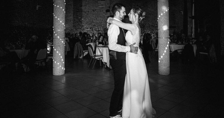 Mon mariage enneigé en bordeaux et doré : l'ouverture de bal, le dessert et la soirée dansante