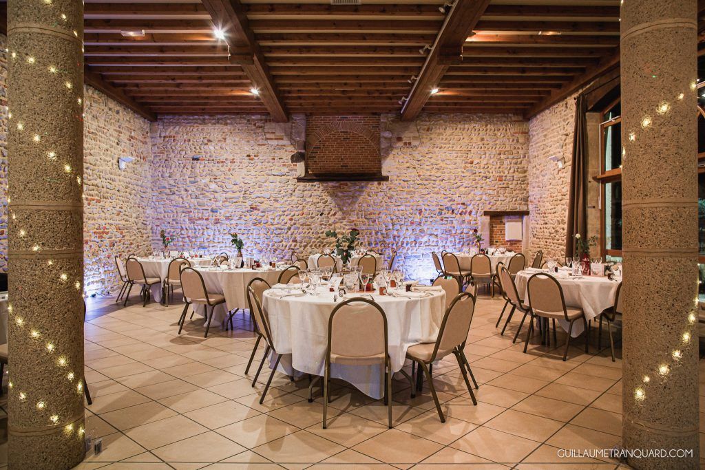 Salle du repas de mariage en hiver