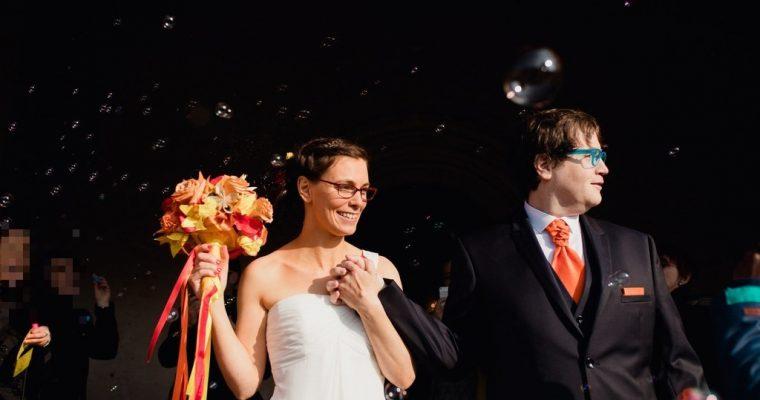 Mon chaleureux mariage au cœur de l'hiver : la sortie de l'église, on jette quoi sur les mariés ?