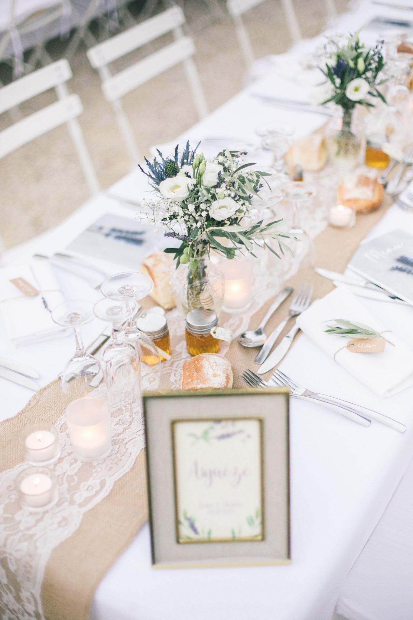 le coeur dans les etoiles – wedding planner – gard – provence – mariage provence – L&C – sebastien cabanes – deco table fleurs
