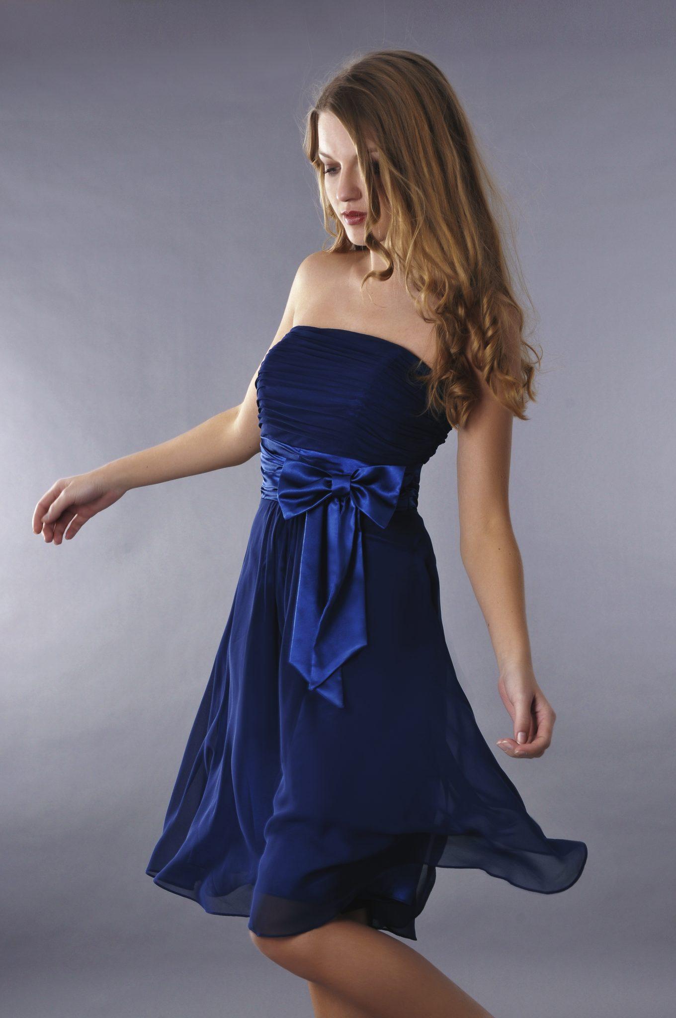 robe cocktail courte bleu